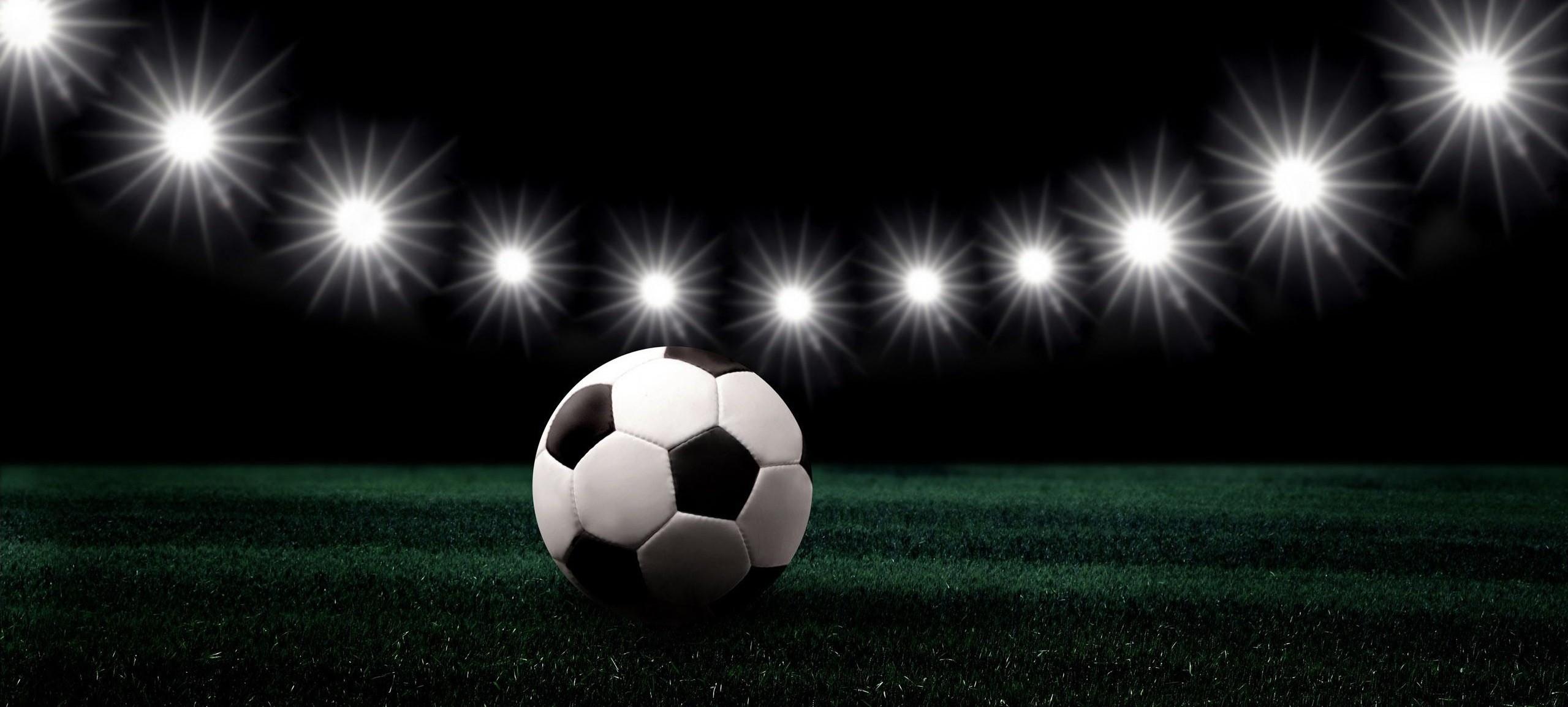 Игра рукой в футболе: правила